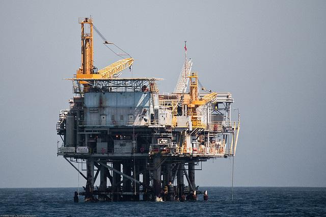 Satellite TV for Oil Rigs - Oil Rig Entertainment